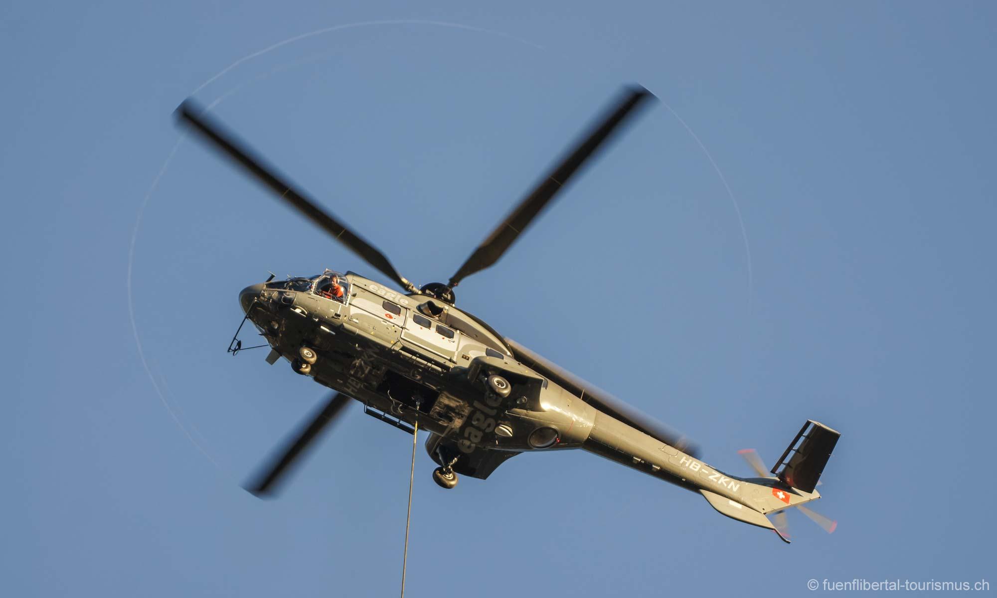Bäume fällen mit Helikopter Ziefen, 2010